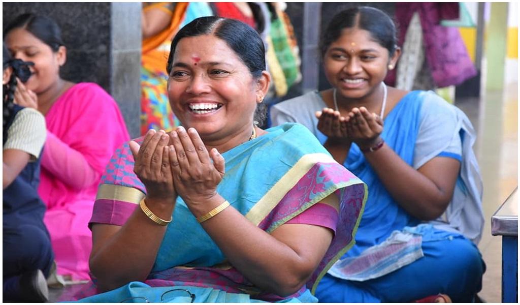 உத்தமபாளையம், விகாசா பள்ளியில் சிரிப்பு யோகா  - படம் - 7