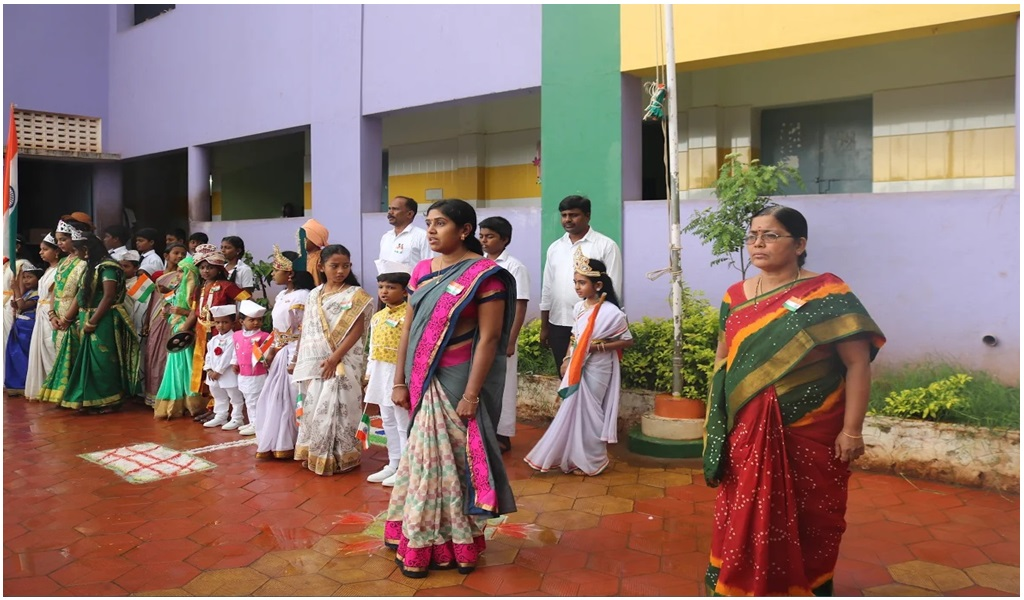 உத்தமபாளையம், விகாசா பள்ளியில் சிரிப்பு யோகா