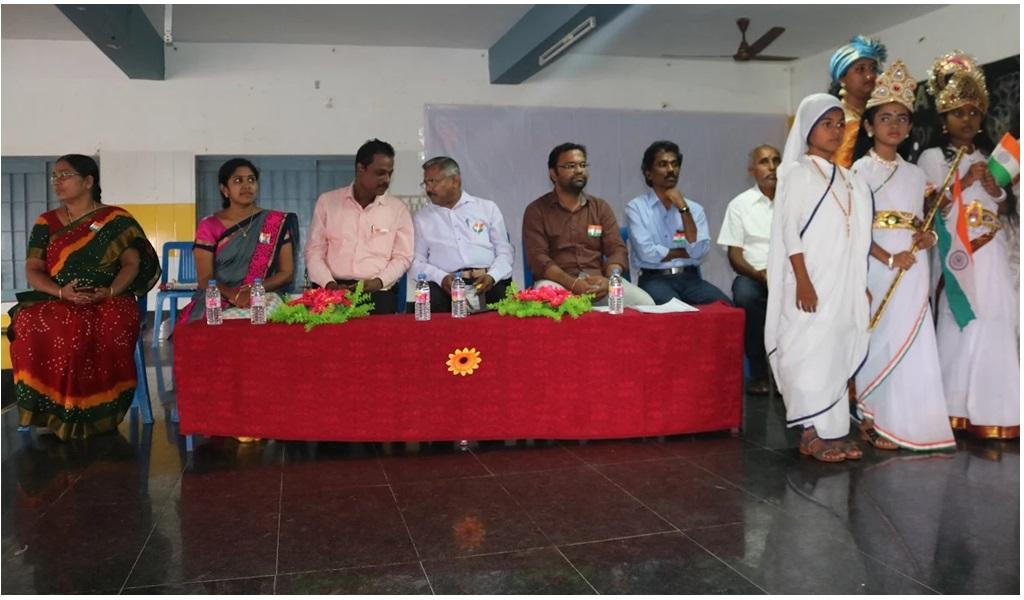 உத்தமபாளையம், விகாசா பள்ளியில் விடுதலை நாள் விழா - படம் - 6